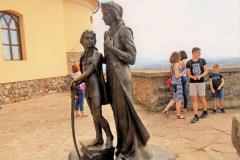 Zrínyi Ilona és a gyermek Rákóczi szobra Munkács várában